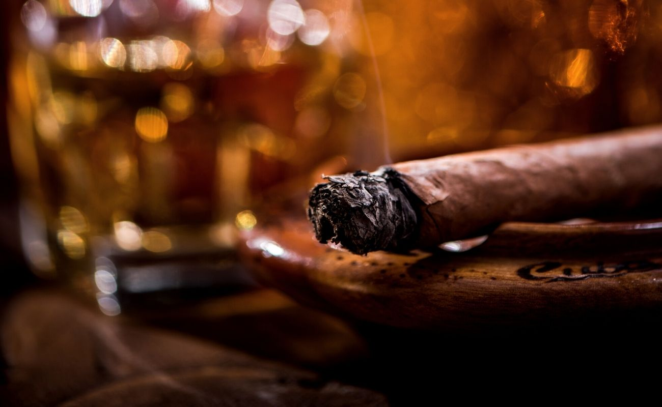 The 11 Best Cigar Bars In NYC featured image